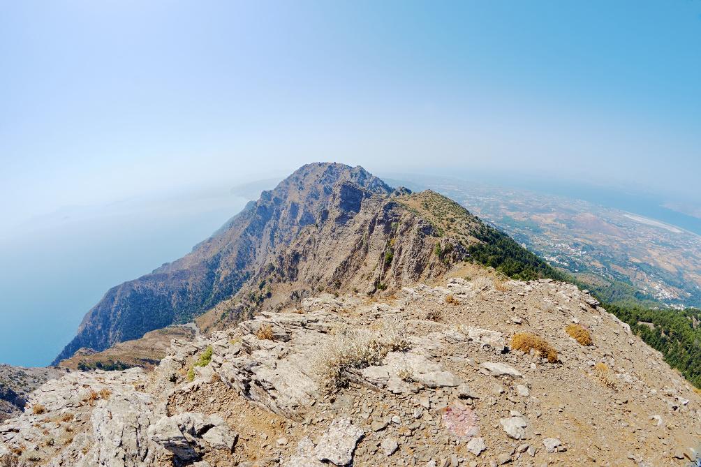 Der Dikéos auf Kos ist 846 m hoch