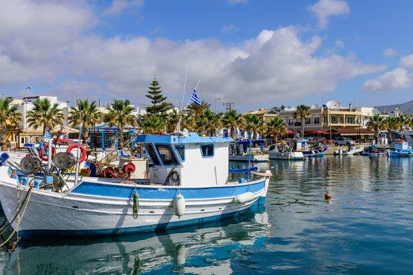 Fischerboote im Hafen von Kardámena