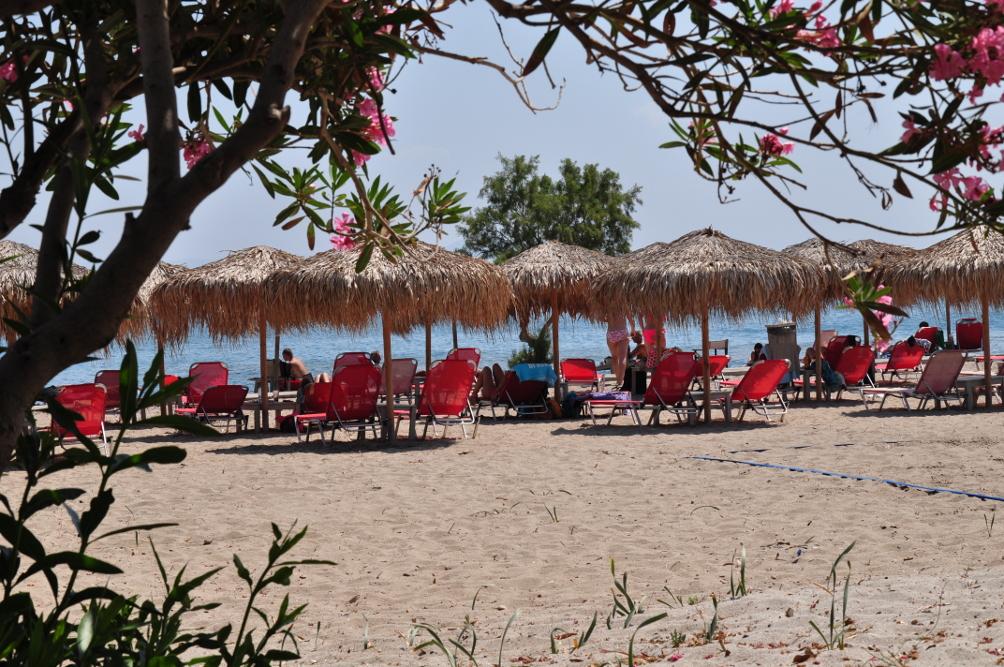 Strand von Lámbi bei der Mylos Beach Bar