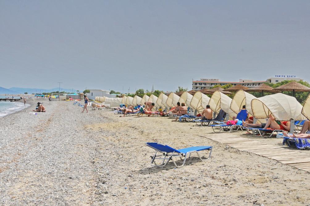 Strand von Psalídi beim Kipriotis Panorama Hotel & Suites